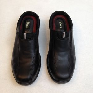 Bass Women Black Leather Slip-On Clogs Size 7.5M